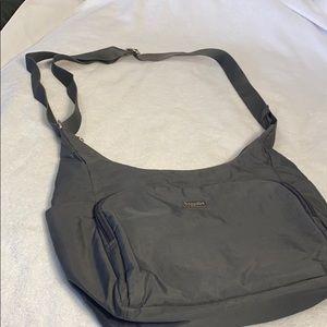 LN Baggalini Crossbody Travel bag Black Nylon